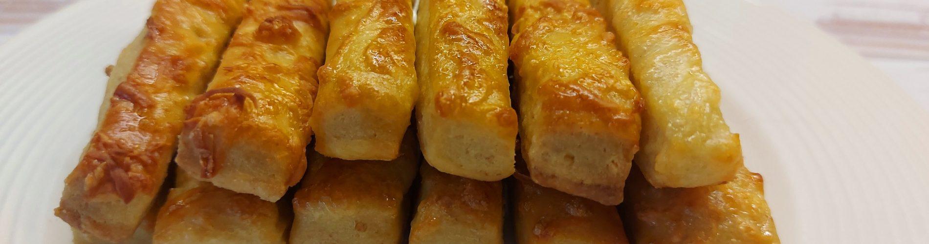 Szénhidrátcsökkentett sajtos rúd